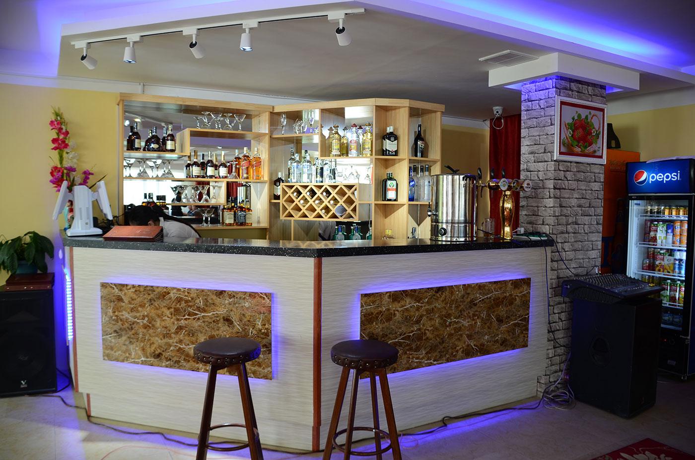 iM Restaurant&Lounge, Night club